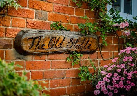 horse-stable-sign
